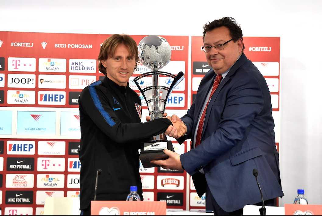 A fost decernat trofeul AIPS pentru cel mai bun sportiv al anului 2018. Simona Halep – locul 3 la feminin
